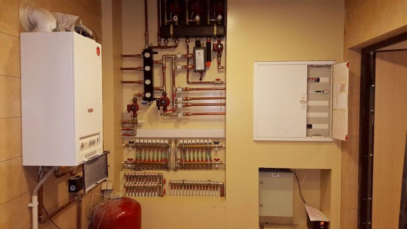 Монтаж системы отопления и водоснабжения загородного дома в Ленинградской области (Ленобласти)